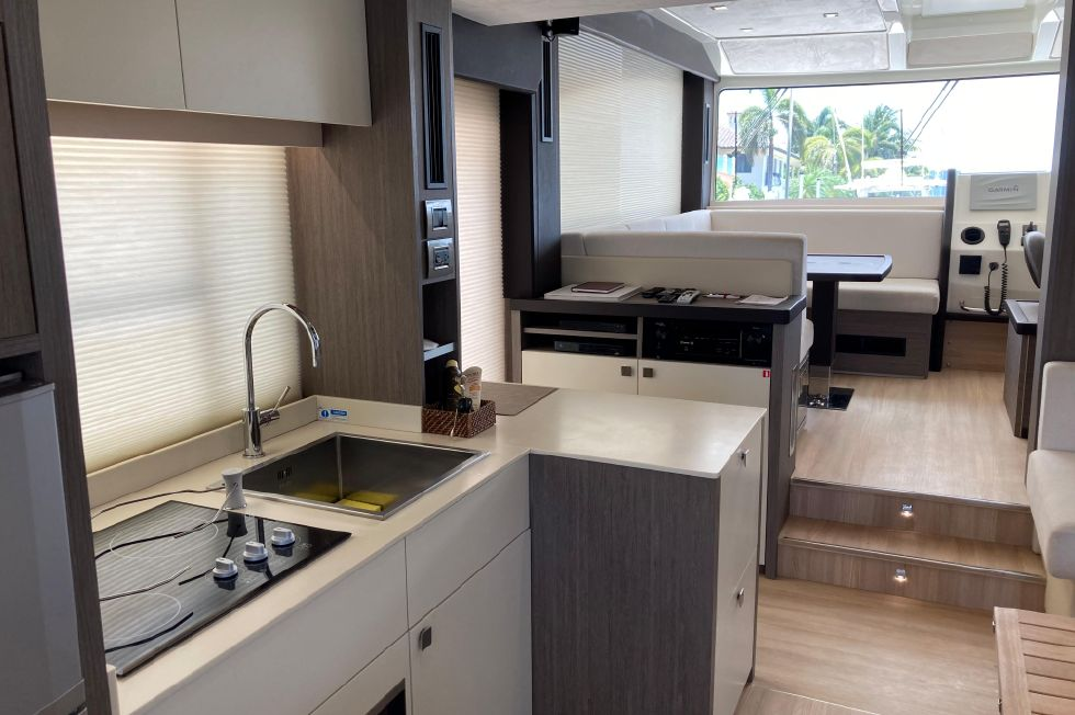 2016 Cranchi Eco Trawler 53 Long Distance