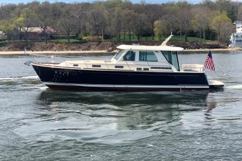 2019 Sabre 48 Salon Express