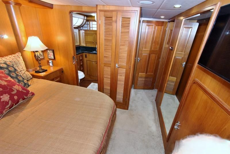 Master Stateroom to Starboard