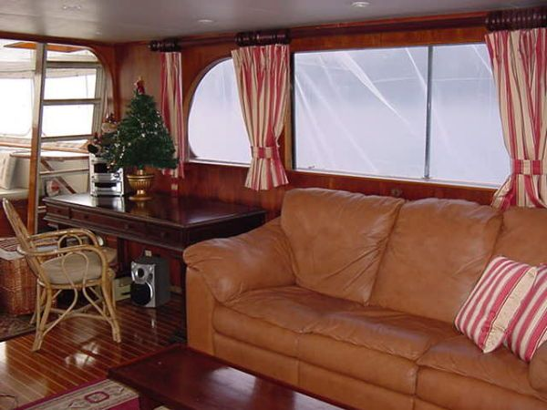 Swell 1958 Broward Classic Motor Yacht 83 Boats For Sale Bayport Creativecarmelina Interior Chair Design Creativecarmelinacom