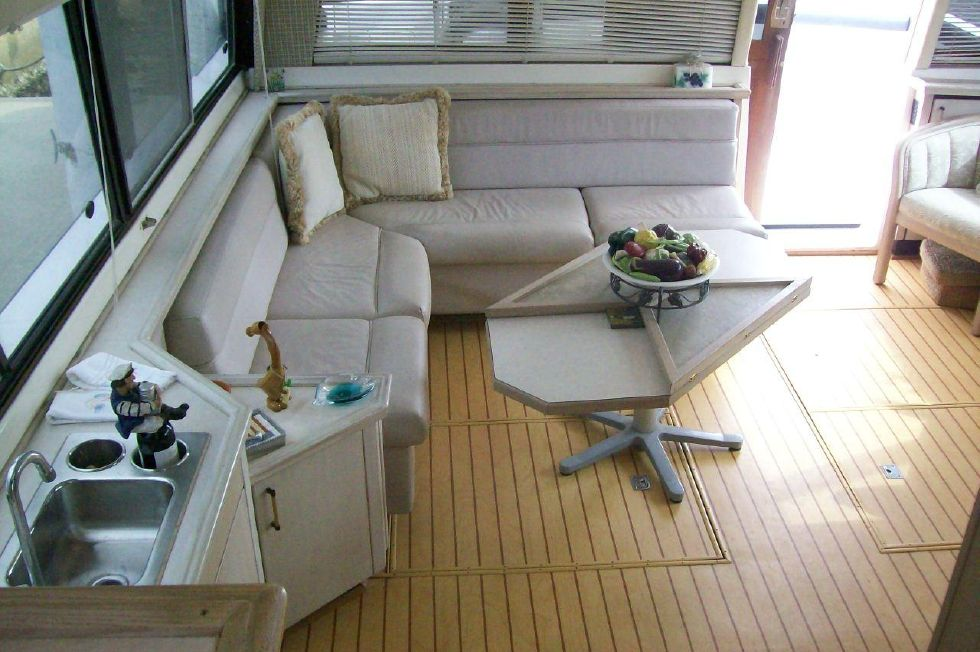 1995 Bayliner 4788 GREAT SHAPE - From Pilothouse to Salon