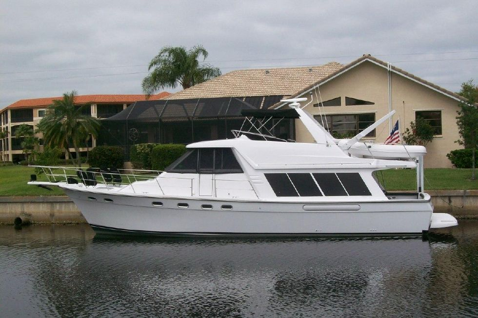 1995 Bayliner 4788 GREAT SHAPE - Don't let this beauty get away Call today