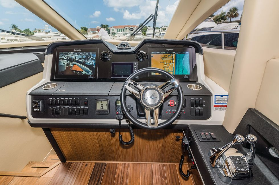 2018 Sea Ray L590 Express