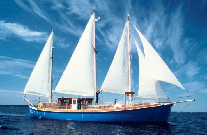 2003 Expedition three masted