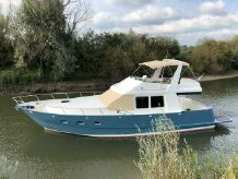 2009 Custom Almarine 1500 Flybridge