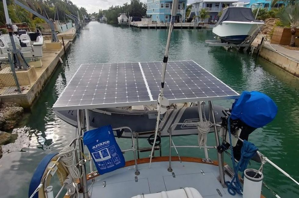 1983 Brewer 42 (128m) - Solar Panels