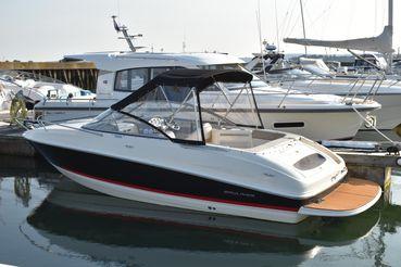 2012 Bayliner 702