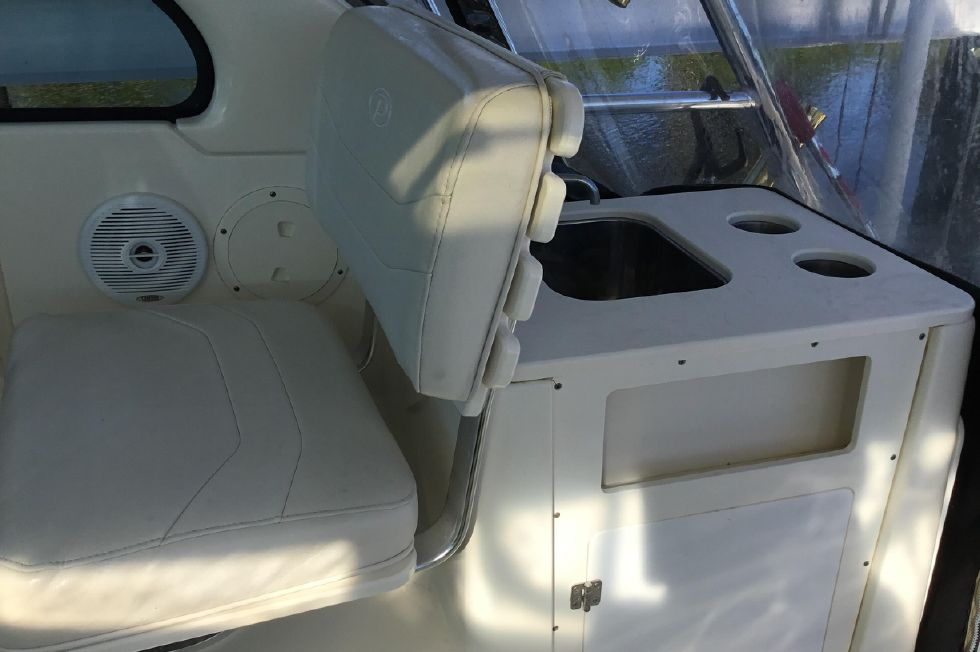 2005 Pursuit 3370 Offshore - Helm Seat and Sink