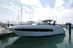 2016 Cruisers Yachts 390 Express