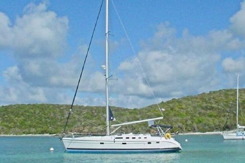 2006 Hunter 46LE Sloop - At Anchor