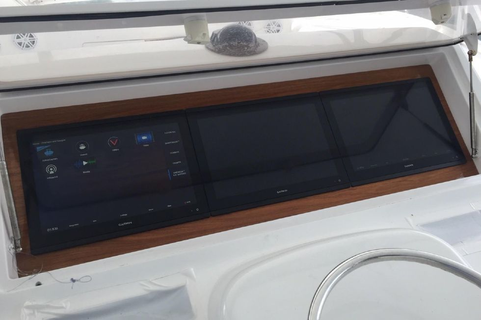 2001 Viking 61 Convertible - Helm Electronics