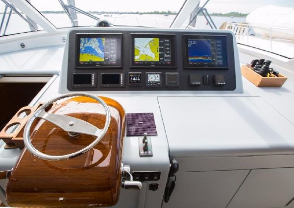 Viking 52 Sport Coupe image