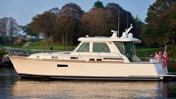 Sabre 42' Salon Express with Volvo IPS 600 2017 Sabre 42 Salon Express