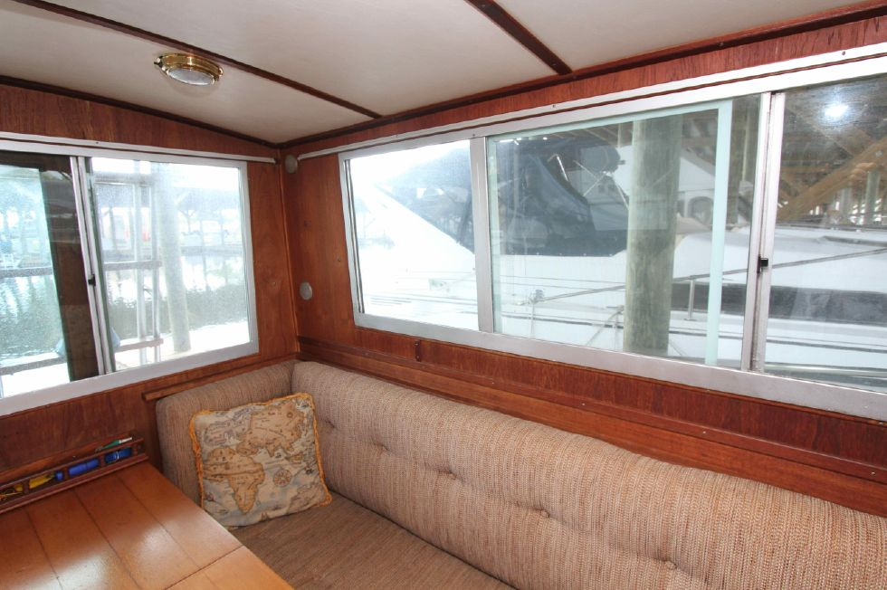 1990 Cape Dory Flybridge
