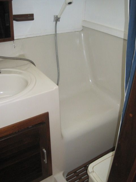 1982 Mainship 34 MK I - Head with walkin shower