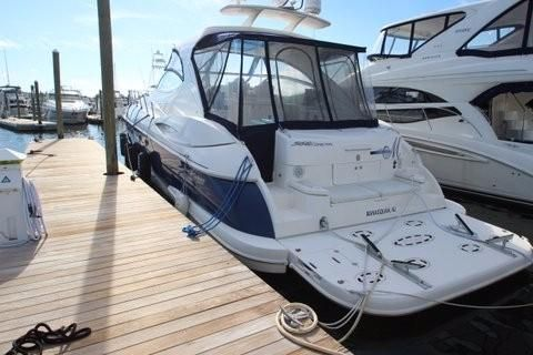 Cruisers Yachts 560 Express Port Side