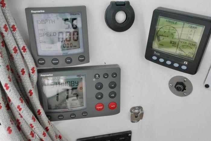 2007 Hunter Broker BoatsalesListing