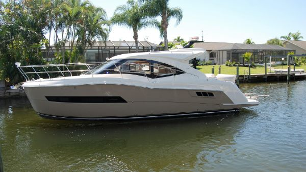 Carver 37 COUPE