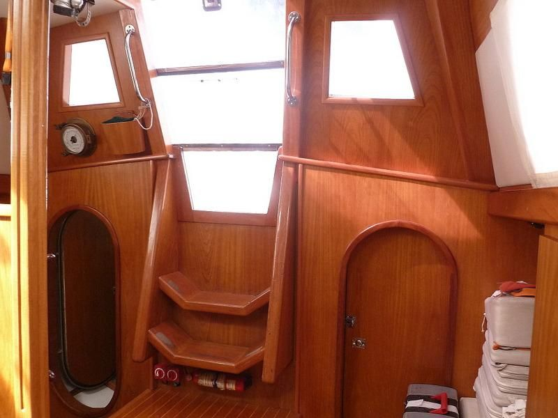 2008 Auzepy Brenneur Sloop - Auzepy Brenneur Sloop - Main Cabin Entry
