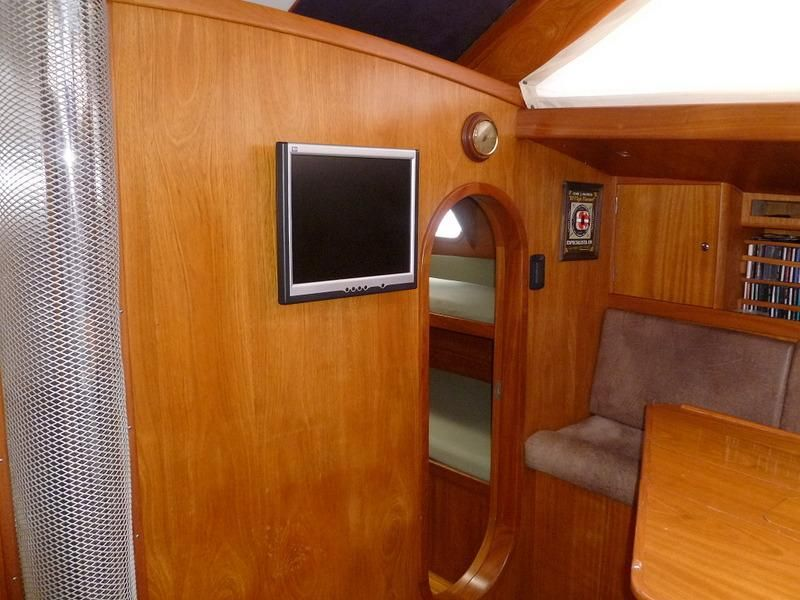 2008 Auzepy Brenneur Sloop - Auzepy Brenneur Sloop - Main Cabin Fwd of Settee