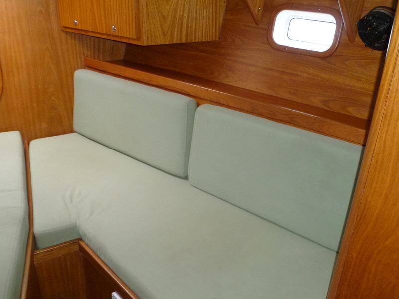 2008 Auzepy Brenneur Sloop - Auzepy Brenneur Sloop - Owner Stateroom Stbd Seating