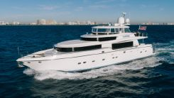 2004 Johnson Motor Yacht