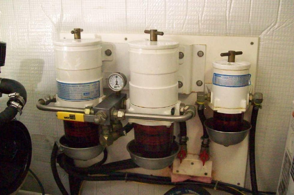 2003 American Tug 34 Pilothouse - 34 American Tug Fuel Filters