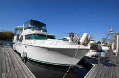1994 Carver 440 Aft Cabin Motor Yacht