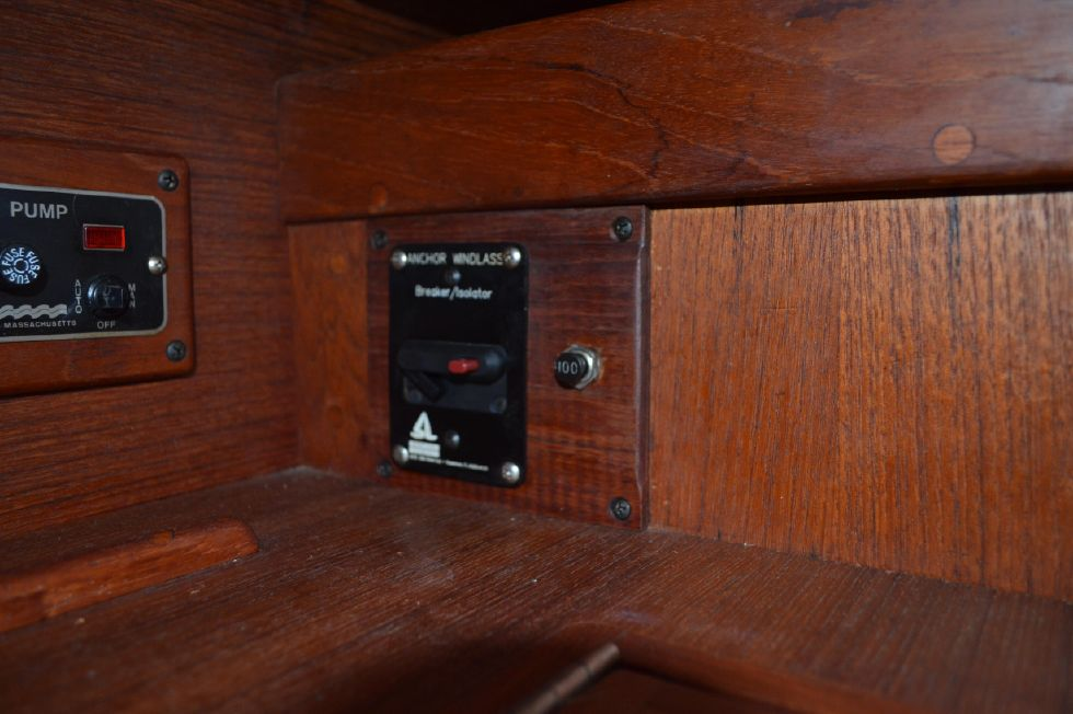 Tartan 4100 Anchor Windlass Switch