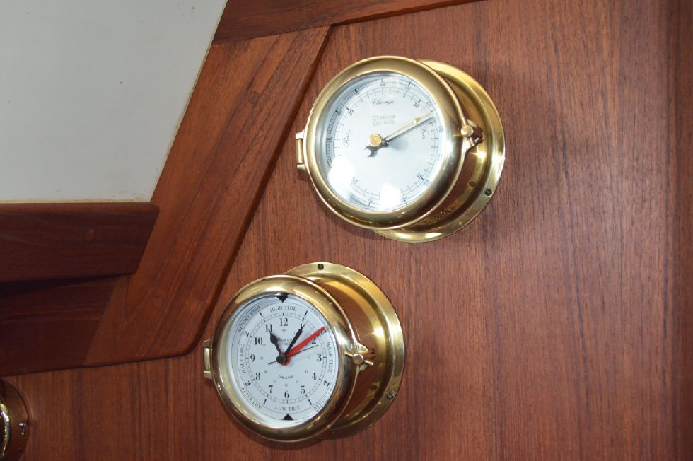 Tartan 4100 Weems and Plath Clock and Chronometer
