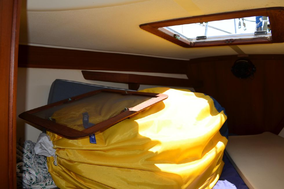 Tartan 4100 Hatch Screen/Spinnaker