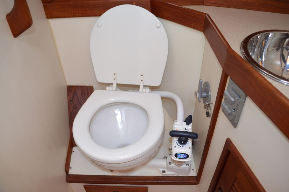 Tartan 4100 Forward Head Maual Pump Toilet