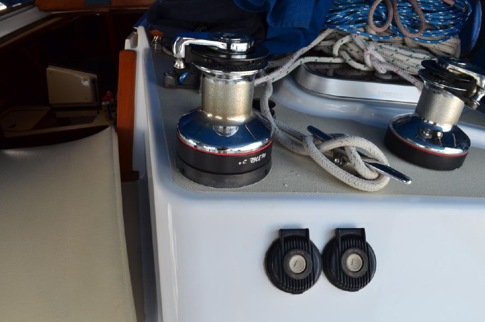 Tartan 4100 Electric Harken Winch