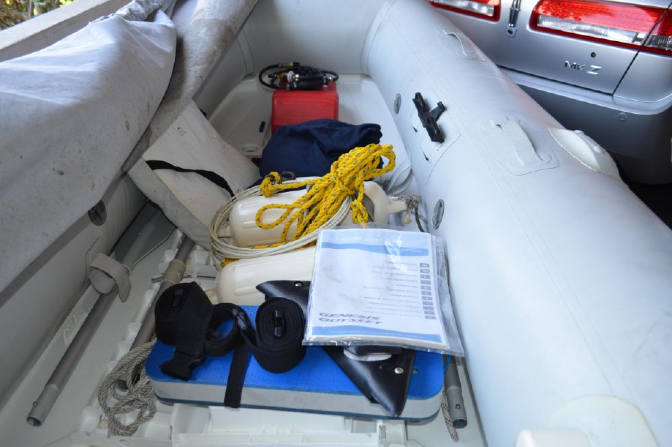 Tartan 4100 Dinghy Equipment