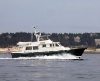 1993 Custom Hunt Raised Pilothouse