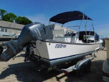 2008 Eastern 24 Center Console