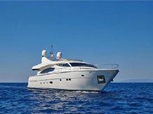 2005 Ferretti Yachts 880