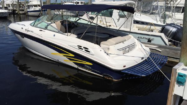 Chaparral 2835 SS Summer 2016 - Biminis Deployed