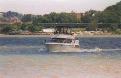 1994 Carver 300 Aft Cabin