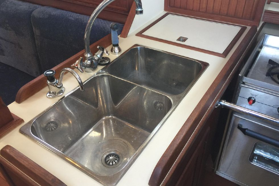 Galley - Stainless sink
