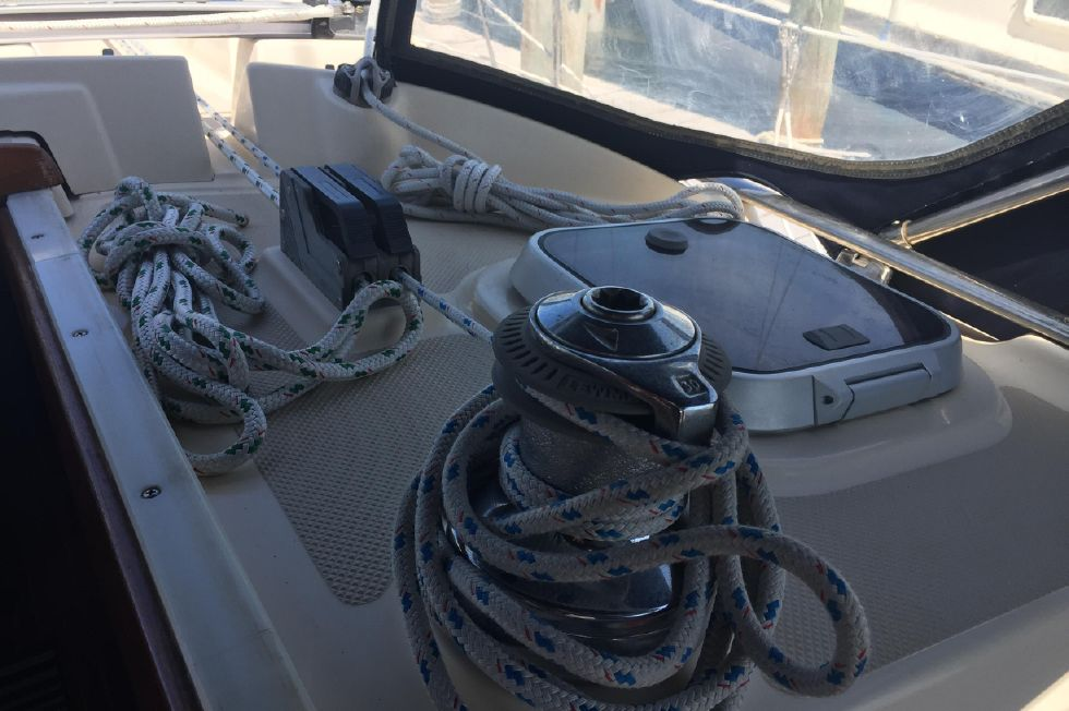 Winch access for easy handling