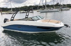 2020 Sea Ray Sun Sport 230 Outboard