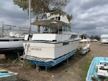 1976 Chris-Craft 410 Commander Yacht