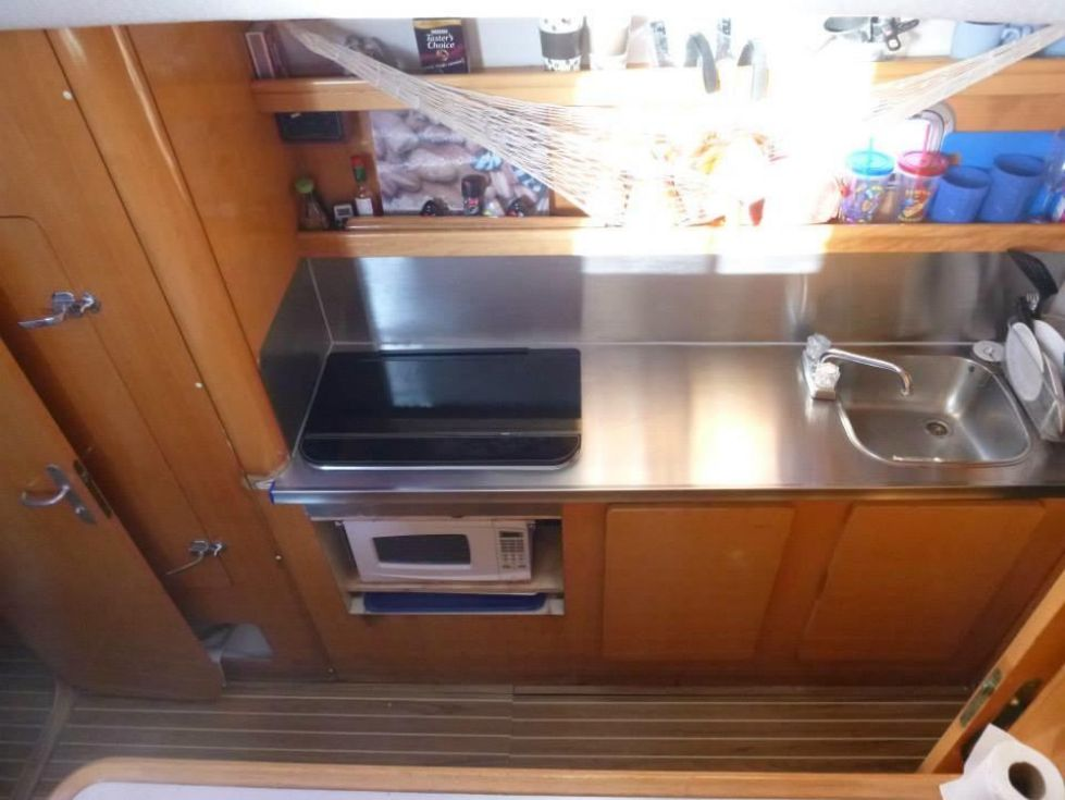 1996 Privilege 37 Owners Version - Privilege 37 galley