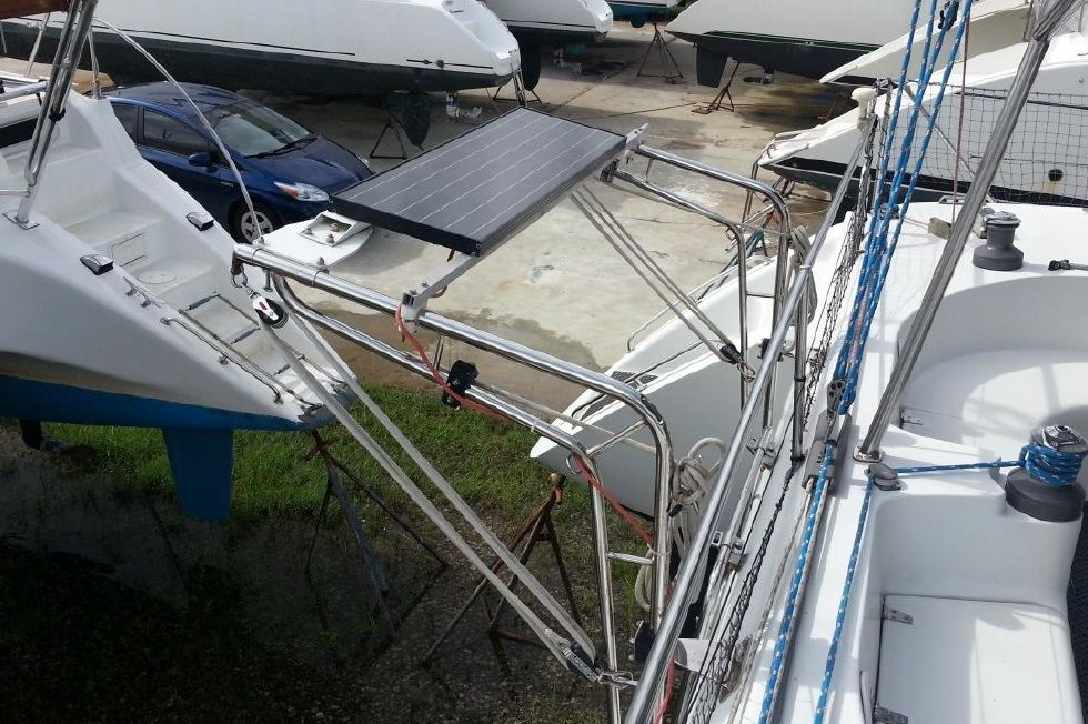 1996 Privilege 37 Owners Version - Privilege 37 davits