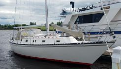 1980 Hunter 37 Cherubini Cutter