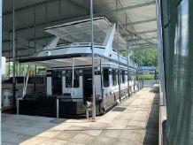 2013 Skipperliner Custom Houseboat