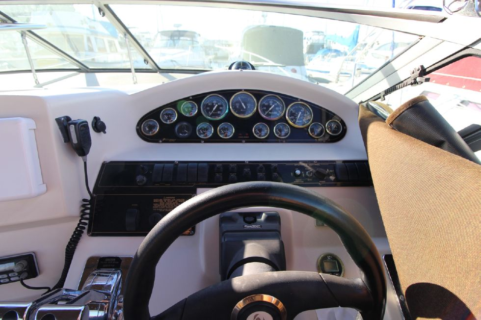 2000 Cruisers Yachts 3375 Express - Gauge Cluster