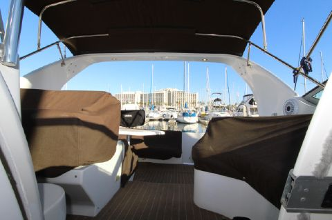 2000 Cruisers Yachts 3375 Express - Helm looking aft