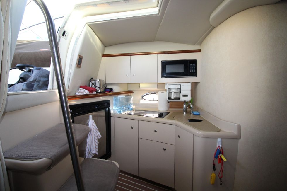 2000 Cruisers Yachts 3375 Express - Galley